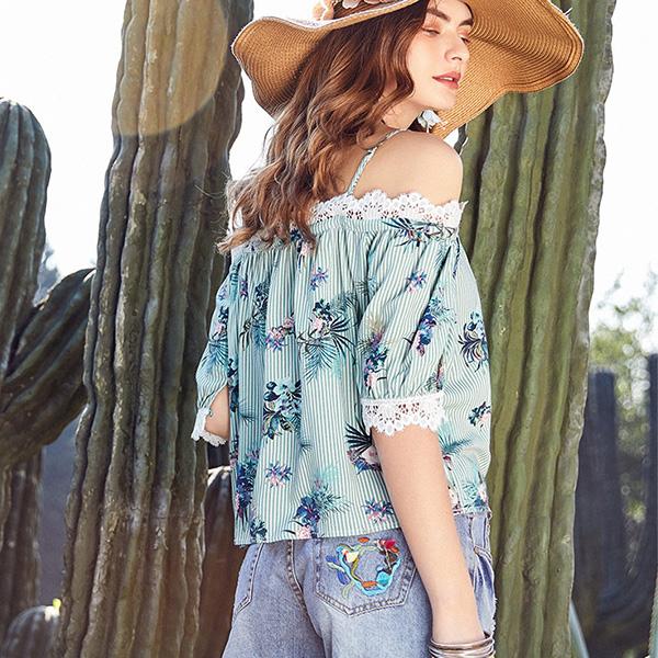 Artka блуза в полосочку с кружевом