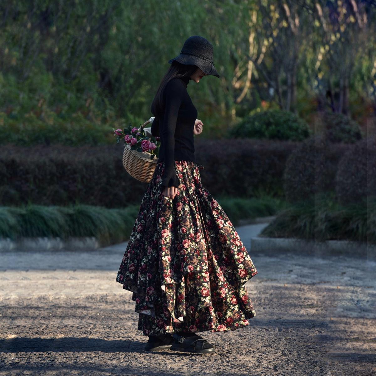 Suxin многослойная юбка чёрная с цветами