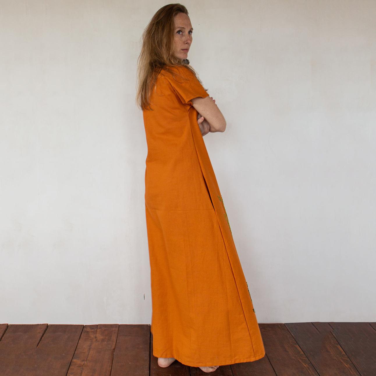 MarlЁn оранжевое платьe с вышивкой